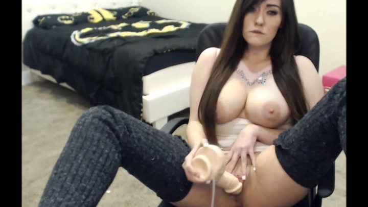 Lizzielust Playing With My Squirting Dildo