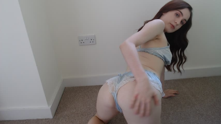 Lola Rae Uk Oily Foot And Ass Tease