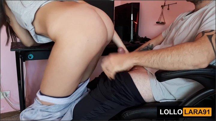 [Full HD] Lollolara91 Ho Tradito Mia Moglie Il Tecnico Era Una Giovane Figa E L Ho Riempita - LolloLara91 -  - 00:10:53   Big Tits, Vero Amatoriale, Big Boobs - 243,8 MB