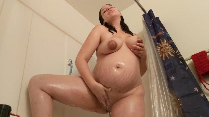 Lunala Crystal Pregnant Amateur Shower Fun