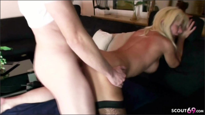 [Full HD] German Big Tits Milf Love To Fuck Young Guy And Creampie Her Piercing Pussy  - MILF-Nadja - -00:12:34 | German Mom, Blonde, Cum Inside - 283,2 MB