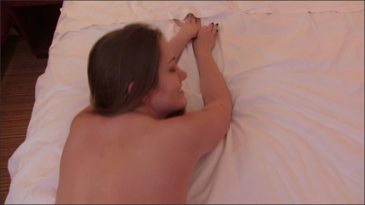[Full HD] Lindsey Love Steamy Hotel Romance - Mix - ManyVids - 00:09:31 | Size - 1,9 GB