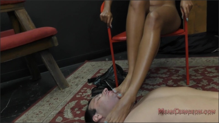 [Full HD] Meanbitches Mistress Sadie Santana Foot Worship - Mix - ManyVids - 00:16:12 | Size - 941,7 MB