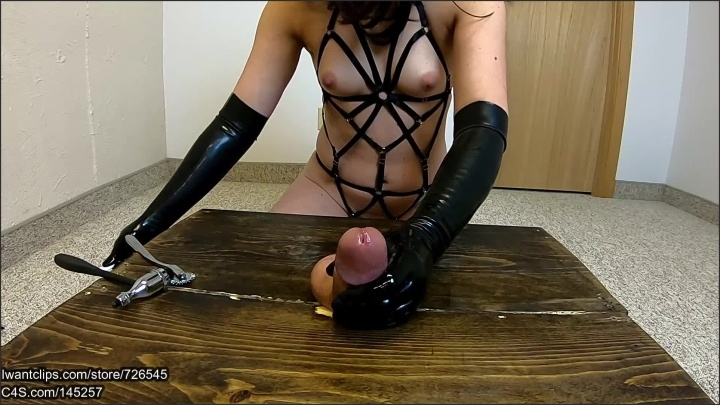 [Full HD] Gloved Amateur Girlfriend Gives Ballbusting Handjob With Ruined Orgasm - MP_BB - - 00:06:39 | 60Fps, Femdom, Pov - 232,2 MB