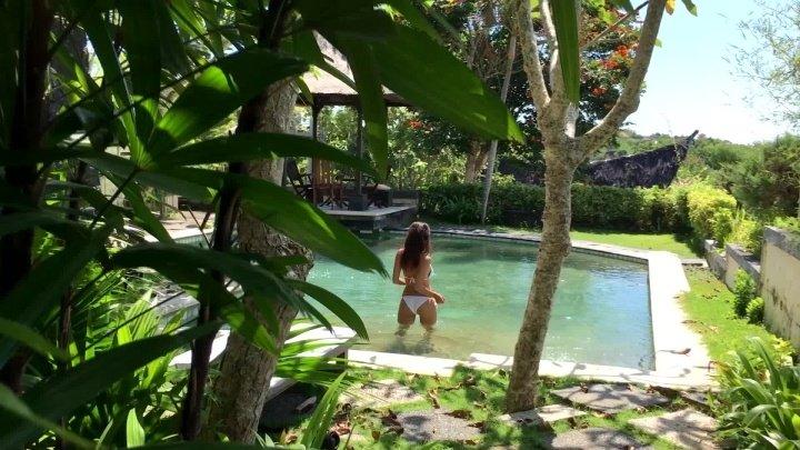 Melissacandy Melissacandy Gardener Spying For Girl Near The Pool