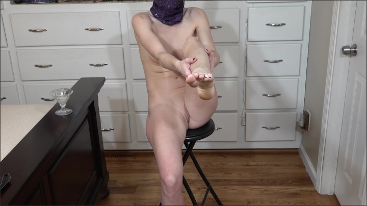 [WQHD] Playing With My Milky Breasts And Feet Foot Massage With Breast Milk In 4K - MilkyFantasy - - 00:11:43 | Step Mom, Milf - 178,3 MB