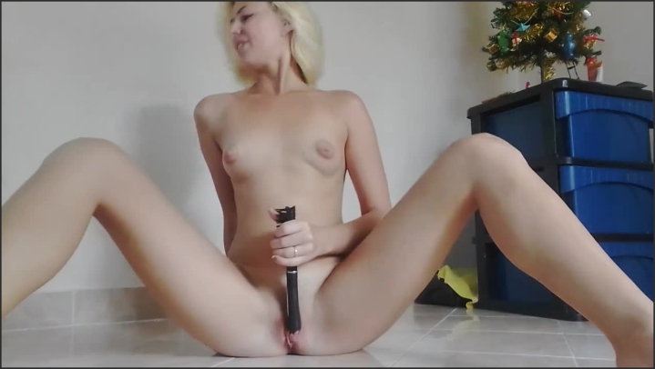 [HD] Fucking Myself With A Hairbrush Cum 3 Times - Miss Anja - - 00:07:27 | Amateur, Squirting Orgasm - 66,8 MB