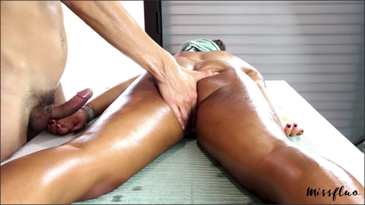 Miss Fluo Missfluo Receive Massage With Masturbation To Orgasm A15