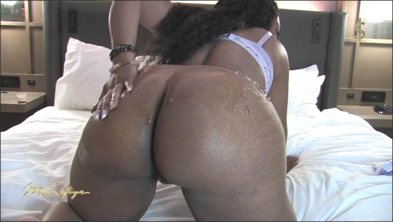 [Full HD] Worship Miss Safiya S Goddess Ass - Miss Safiya - -00:12:38 | Solo Female, Ass Spreading, Ebony Goddess - 298,5 MB