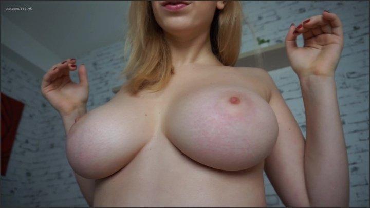 Missalisa Dropping Big Tits
