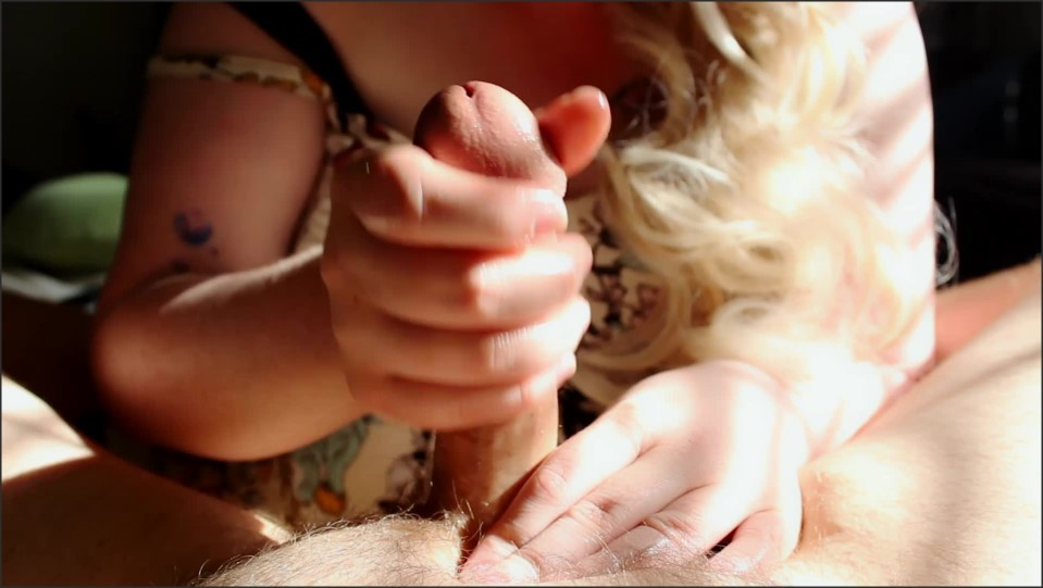 [Full HD] Sexy Blonde Handjob In Morning Sun  - Miss_Mitzi - -00:07:07 | Amateur, Chubby - 333 MB