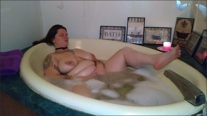 [Full HD] Bbw Bubble Bath Masturbation - MisterAXR - - 00:10:28   Brunette, Boobs, Solo Female - 508,3 MB