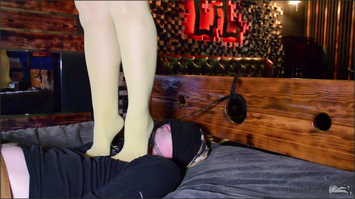 [Full HD] Mistress Trampling And Standing On A Slave S Face - Mistress Legs - - 00:09:21 | Feet, Foot Slave Trample - 218,7 MB