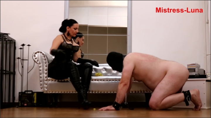 [Full HD] Eat From Under My Boots - Mistress Luna - - 00:08:14 | Leggings, Bullwhip - 172,1 MB