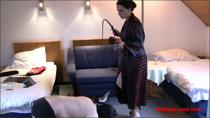 [Full HD] Novice Shoe Cleaner The Best Shoe Fetish - Mistress Luna - - 00:09:13 | Slave Training, Milf, Female Domination - 331,7 MB
