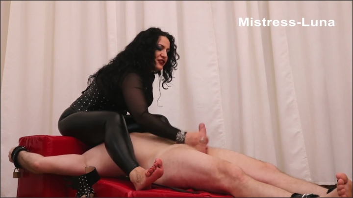 [Full HD] Ruin Your Orgasm Under Mistess Luna Ass - Mistress Luna - - 00:07:14 | Foot Domination, Feet, Foot Slave Training - 164,6 MB