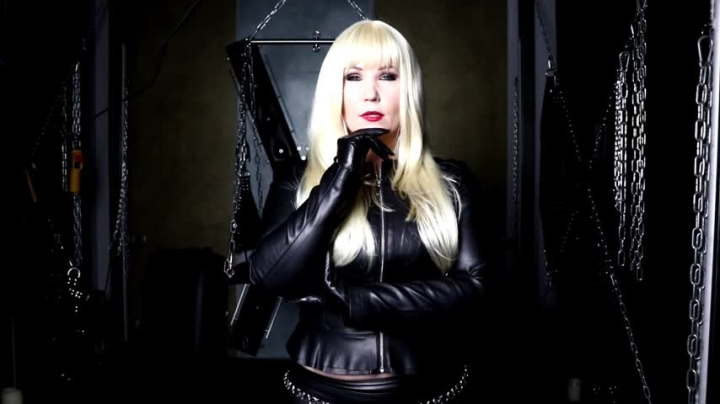 Mistress Patricia Leather Fetishist