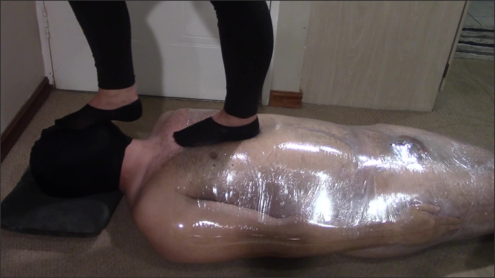 [Full HD] Mistress Tramples Her Slave With Sneakers And Very Smelly Socks - Mistress Tiffany - - 00:11:29 | Exclusive, Bdsm, Kink - 251,9 MB