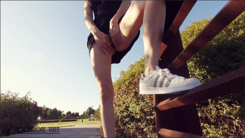 [Full HD] Public Park Flashing Upskirt - Moonstone Vixen - -00:14:28 | Glasses, Mom, Verified Amateurs - 2,2 GB