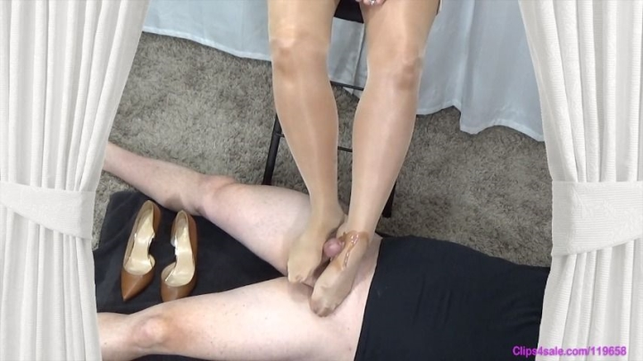 Mrs Keswick Double Pantyhose Footjob