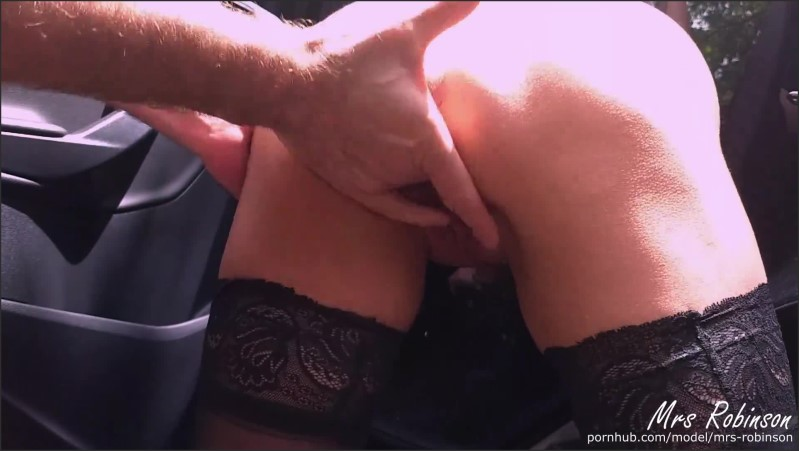 [Full HD] Milf Fucks On Public Road While Cars Drive By - Mrs Robinson - -00:12:16 | Exclusive, Driving Naked, Creampie - 358,8 MB