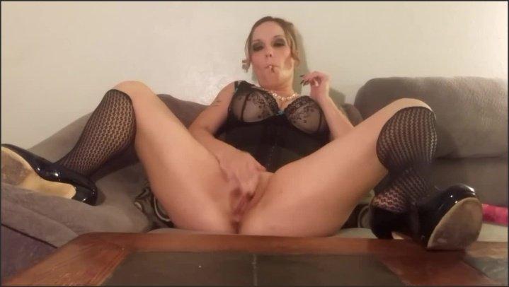 [HD] Mrsmilehighest Blunt Smoking Dildo Masturbation With Sound - MrsMileHighest -  - 00:09:53 | Exclusive, Amateur - 85,4 MB