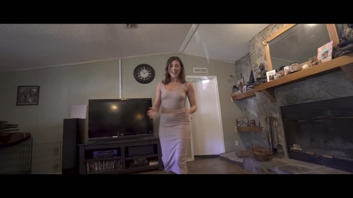 [Full HD] Ms Price Mom Makes Son A Champion Complete Series - Ms Price - ManyVids - 00:40:12   Taboo, Milf, Threesome - 4,6 GB