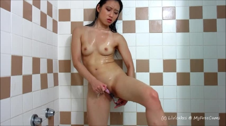 Ms-Cakes Shaving And Cumming In The Shower