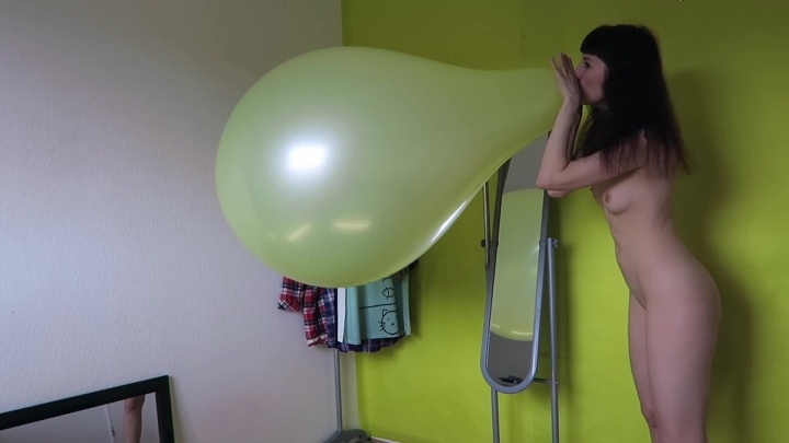 Blowing To Pop 36 Inch Balloon