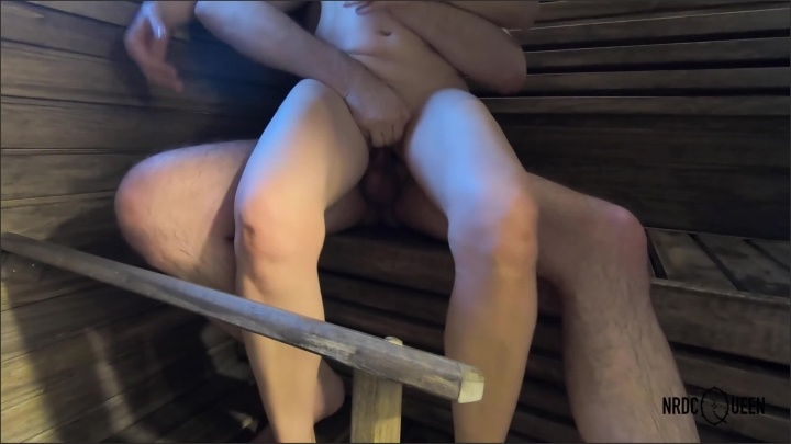 [WQHD] Milf Riding And Sitting On The Face In Hot Sauna 4K - NRDCQUEEN - - 00:06:39 | 60Fps, Milf, Ultra Hd 4K - 173,5 MB