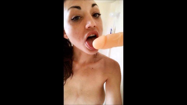 Natalia Mackenzie Piss Shower Suck N Fuck