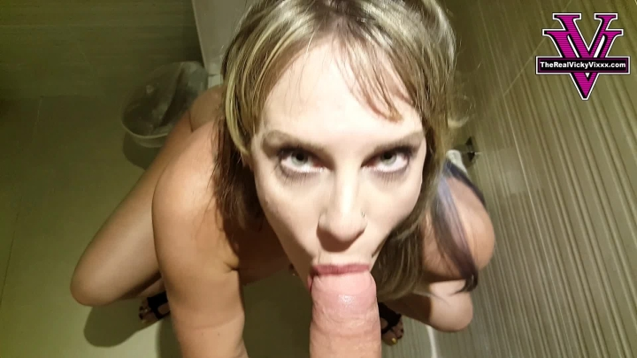Naughty Vicky Vixxx P--Ing And Bj