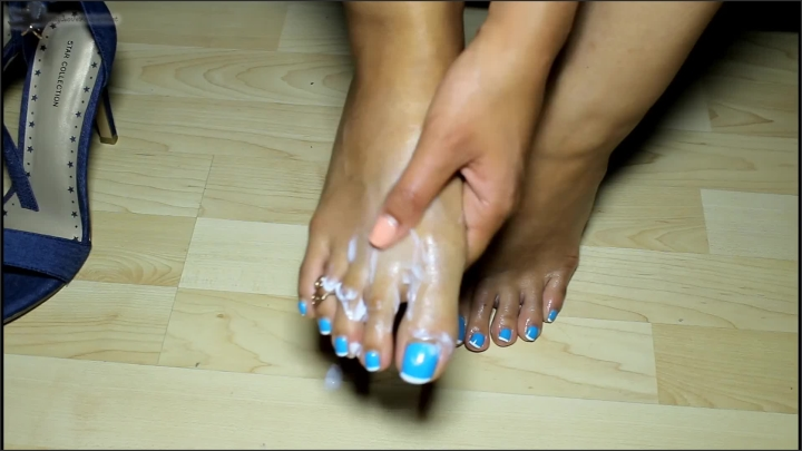 [Full HD] Loren Love All Lotioned Up Before High Heels  - Loren Love -  - 00:13:48 | Interracial, Big Feet, High Heels - 211,6 MB