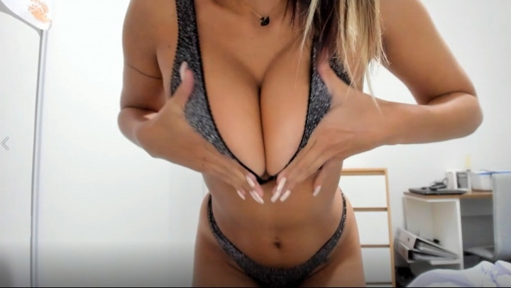 Nicolebelle Making My Coworker Cum All Over My Body