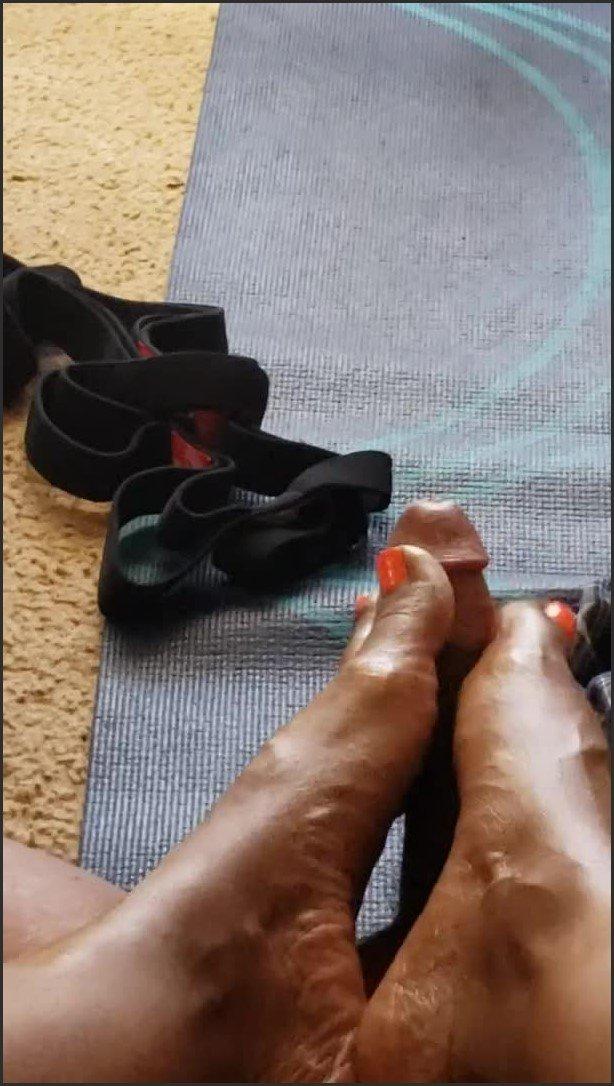 [SD] Pov Foot Massage - NicoleDrew - -00:07:22 | Amateur, Feet, Big Cock - 147,3 MB