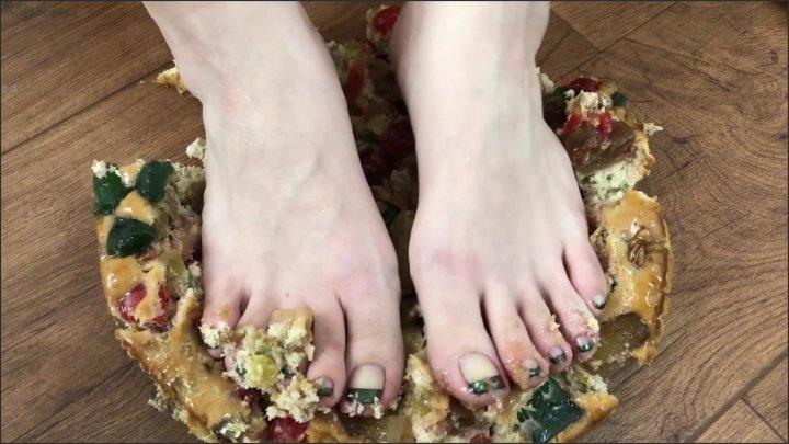 Nikki Sequoia Fruitcake Foot Smash