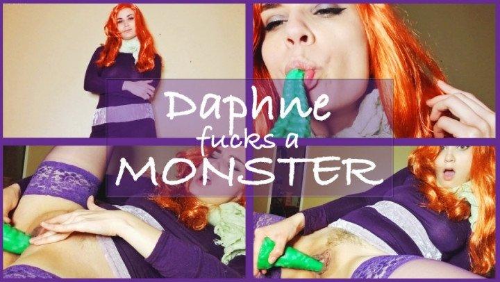 Nina Crowne Daphne Fucks A Monster