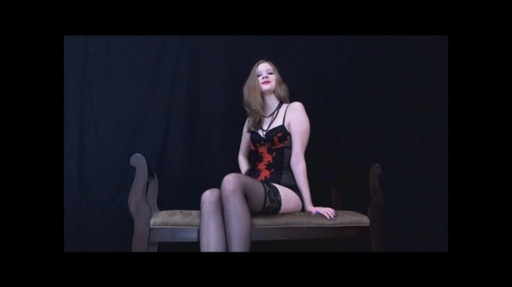Nym Fleurette Queen Nyx Playing Mind Games 1