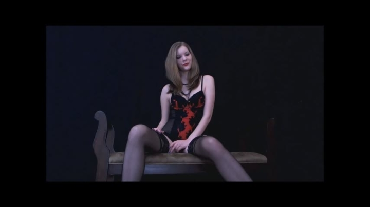 Nym Fleurette Queen Nyx Playing Mind Games 2