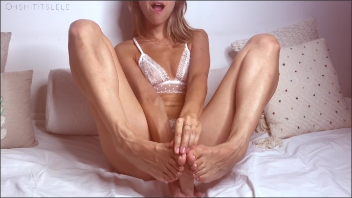 Jizz On My Feet Edge With Lele And Splash Her Feet With Cum Joi Countdown