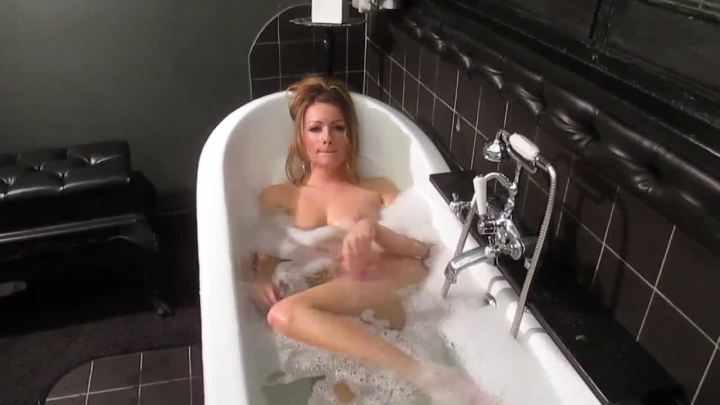 Penny Lee Naughty Bath Time