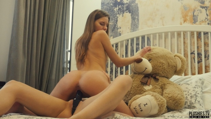 Plushies Tv Lesbians College Roommates Strapon Sex