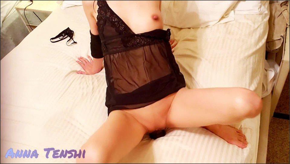 [Full HD] Asian Wife Fucks Herself With Big Black Dildo Anna Tenshi  - AnnaTenshi - -00:11:17 | Dildo, Verified Amateurs - 241,9 MB