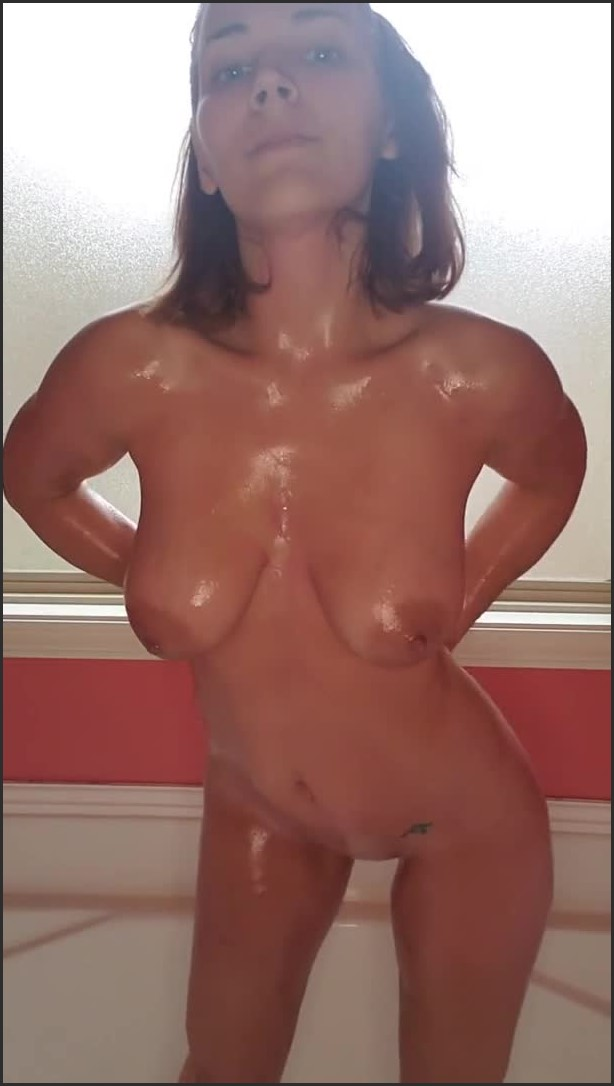 [SD] Paint Play In Bath  - 1LadyLove - -00:06:19 | Bath, Mess, Oiled Up - 54,2 MB