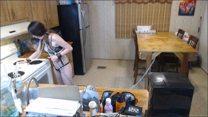 [Full HD] Purple Vayda Amateur Slut Vayda Cleans The Kitchen Chained Up - Purple Vayda -  - 00:22:06 | Chained, Slave Cleans, Tattooed Women - 467,5 MB