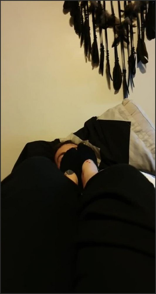 [SD] Sock Smothering My Foot Slave With My Stinky Work Socks  - QueenAmityMae - -00:06:43 | Foot Worship, Pov, Lucky Slave - 38,4 MB