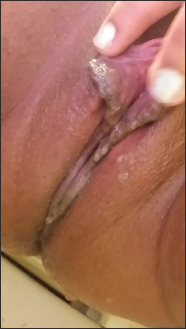 [SD] Slow P-- And Pussy Play - QueenRami - - 00:10:54 | Piss, Pissing - 221,8 MB