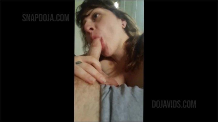 [Full HD] Snapchat Milf Cock Tease Blowjob - QveenDoja - - 00:07:25   Curvy, Ball Sucking, Brunette - 92,2 MB