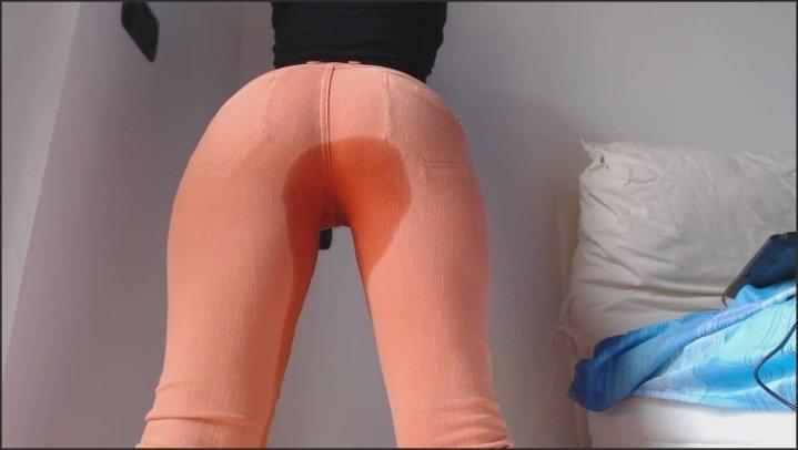 [HD] P-- In My Orange Jeans - RavenBigAss - - 00:07:46 | Pissing, Pov - 63,6 MB