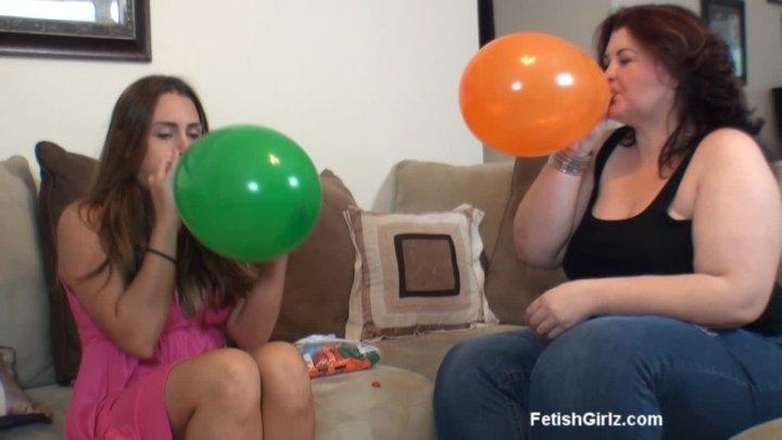 Renna Ryann Blow And Pop Balloons With Amazon Amanda